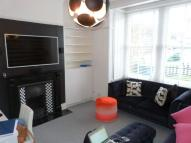 1 bedroom Ground Flat to rent in Squires Lane