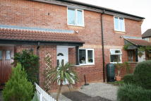 Terraced home to rent in Farthing Road...