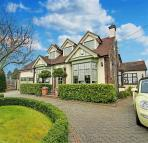 4 bed Detached house for sale in Bournes Green Chase...