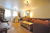 Flat to rent in Vauxhall Grove SW8