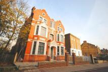 4 bedroom Flat in Queens Road New Cross...