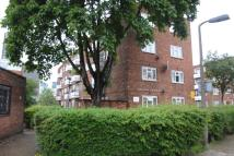 Flat in Wyvil Road SW8