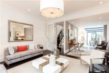 2 bedroom Flat in Westbourne Grove, London...