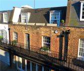 2 bed Flat in Ledbury Mews North...