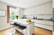 3 bed Mews in Boyne Terrace Mews...