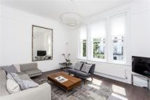 2 bedroom Flat to rent in Elgin Crescent, London...