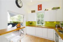 1 bedroom Flat in Oxford Gardens, London...