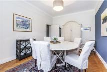 2 bedroom Flat in Kensington Park Road...