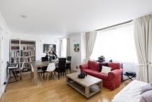 2 bedroom Flat in Colville Gardens London...