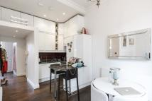 Flat in Royal Crescent London W11