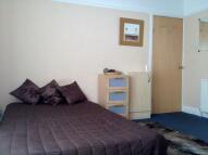 Studio flat to rent in Green Lane, Leeds...