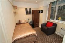 Studio apartment to rent in Burley Road, Leeds...