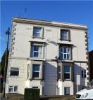 Flat to rent in Kingsholm Road...