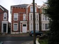 Flat to rent in St. Ronans Road...