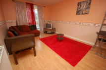 3 bedroom Flat to rent in Clovenstone Drive...