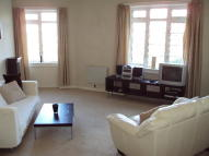 3 bedroom Flat in Learmonth Court...
