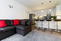 3 bed Flat to rent in ALBYN PLACE, Edinburgh...