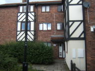 Flat to rent in Kirkwood Drive...