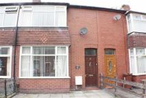 2 bedroom Terraced property to rent in Dogford Road, Royton