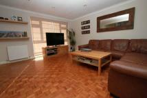 2 bedroom Maisonette to rent in Ickenham