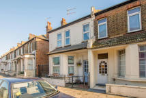 4 bed Terraced house to rent in Scrubs Lane, London, NW10