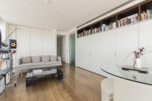 1 bedroom Apartment for sale in Eaton House Westferry...