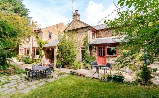 4 Bedroom Detached House For Sale In Kings Langley
