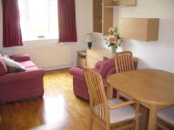 1 bed Ground Flat in Cambridge Gardens...