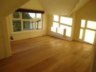 Apartment to rent in Muswell Hill Road...
