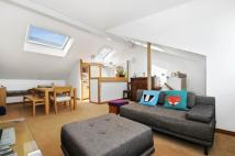 2 bedroom Maisonette to rent in Cheverton Road, London...