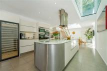 5 bed home in Settrington Road, Fulham