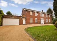 5 bed Detached home to rent in Parrots Close...
