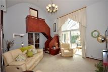 4 bed Detached house in Garrick Road...