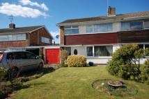 semi detached house to rent in Hawthorne Close...