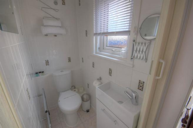Ensuite to Room 1