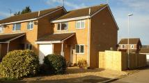 3 bedroom semi detached property to rent in Tennyson Close, Towcester