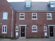 Town House to rent in 111 Alchester Court