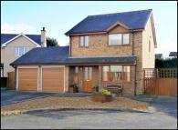 Detached house in 11 Ffordd Gwylan Bach...