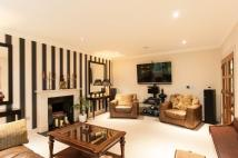 5 bedroom Detached property in Dartnell Avenue...