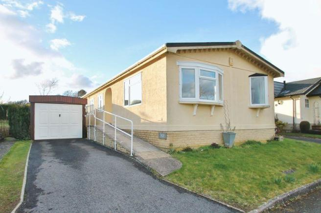 3 Bedroom Detached Bungalow For Sale In Mayfield Park Cirencester
