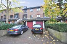 Studio apartment in Wyke Close, TW7...