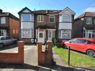 Flat in Bilton Road, Perivale...