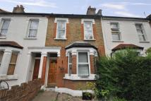 Westfield Road Terraced property to rent