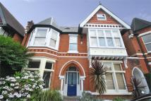 2 bed Flat to rent in Gordon Road, W5
