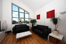 2 bedroom Flat to rent in Uxbridge Road, W3
