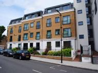 Flat to rent in Lovelace House, W13