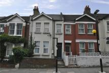 1 bed Flat to rent in Winchester Street, W3