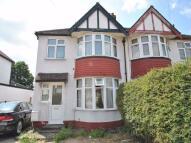 Flat to rent in Tavistock Avenue...