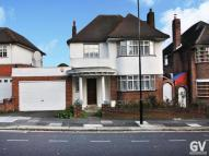 4 bed Detached house to rent in Ashbourne Road, W5