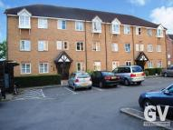 2 bed Flat in Vicars Bridge Close, HA0...